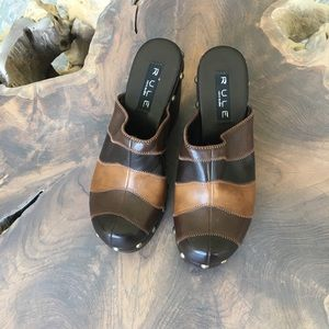 Rule by Steve Madden Color block Clog EUC